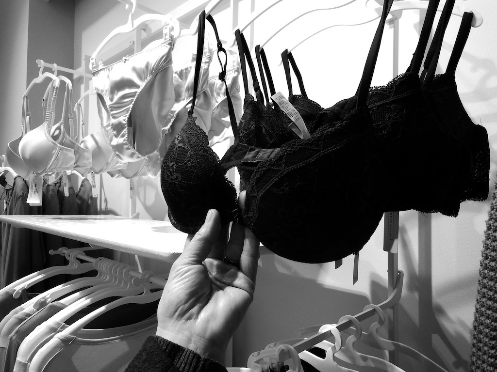 buying-bra