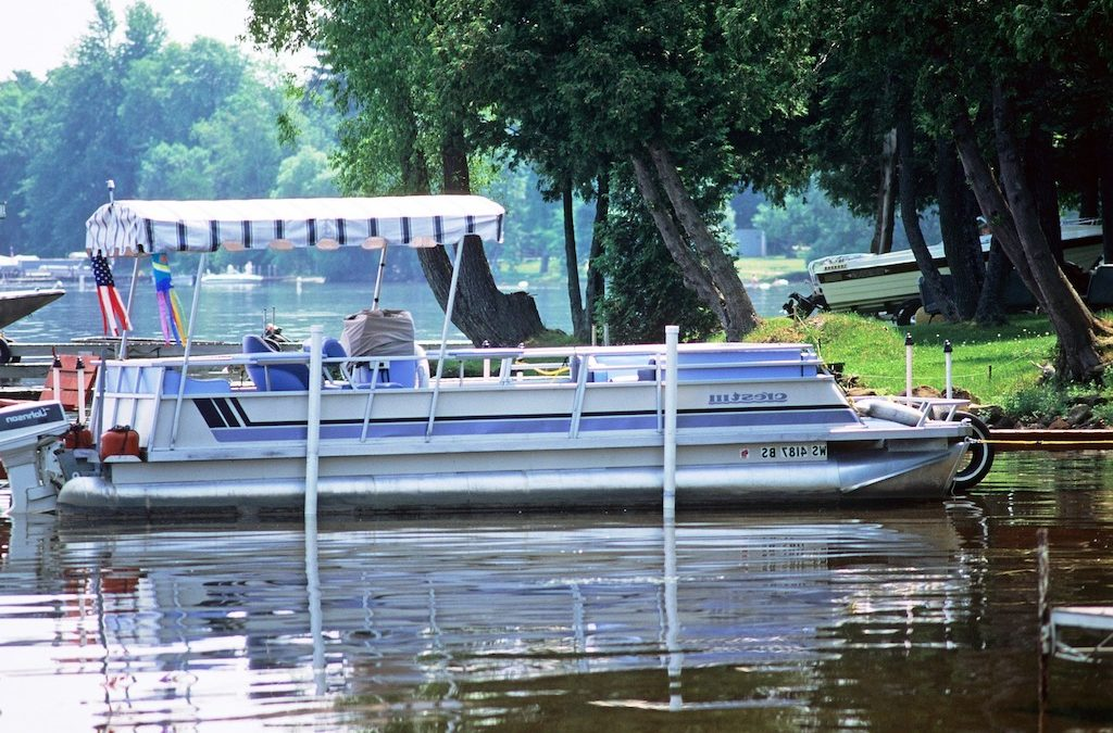 Tramms Welding – The 5 Advantages of Buying a Pontoon Boat