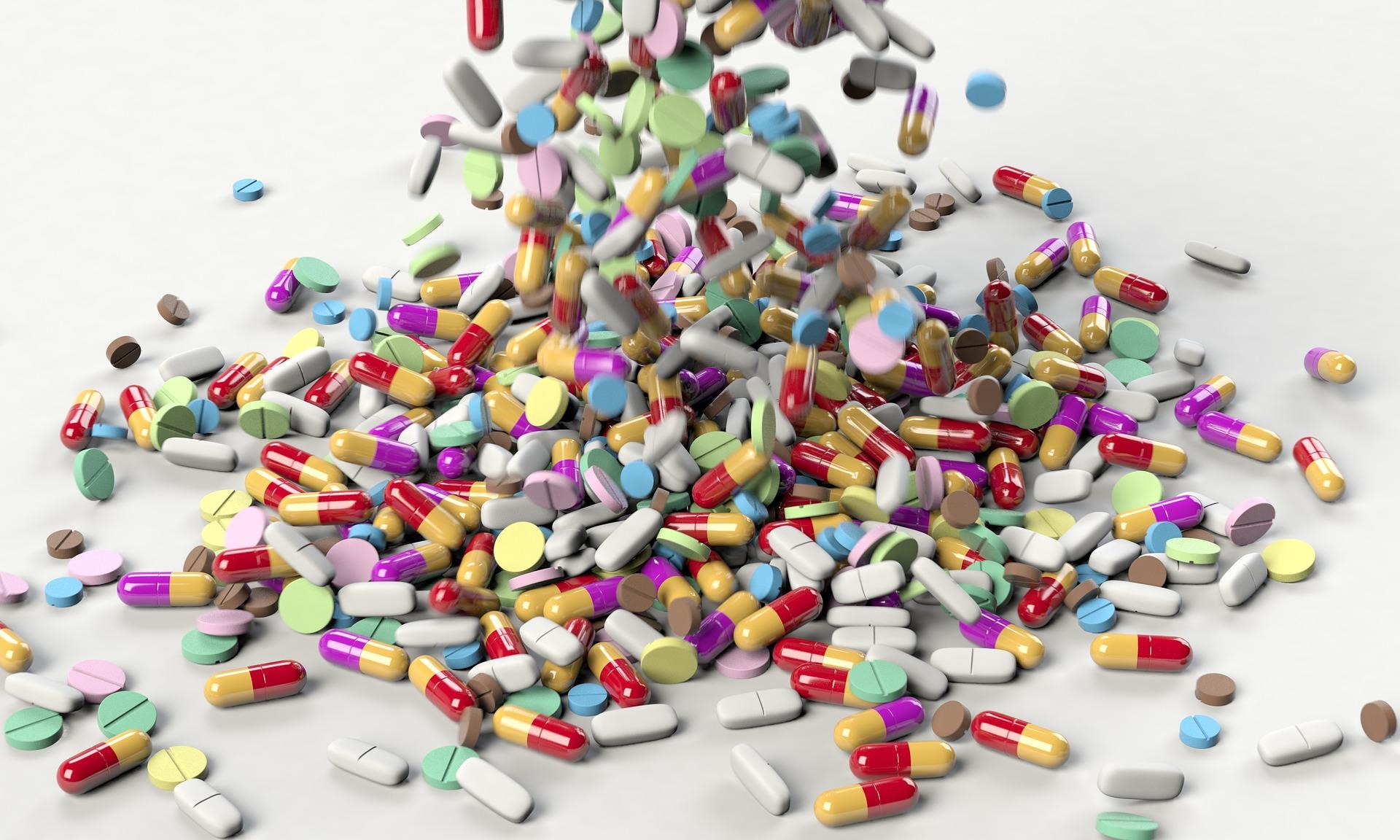 pills-medicine-pharmacy