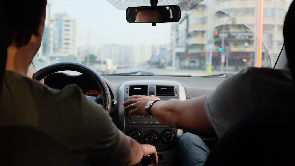 5 Ways to Avoid Car Accidents